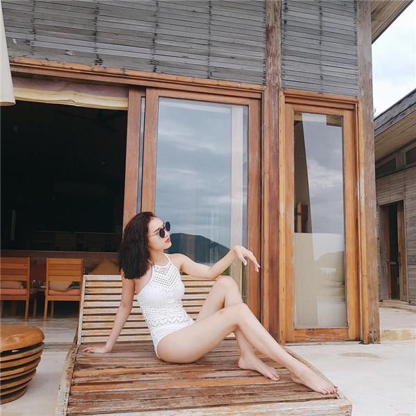 Khoe ảnh bikini nóng bỏng, Ninh Dương Lan Ngọc chính thức gia nhập hội mỹ nhân khoe dáng mùa hè - Ảnh 3.