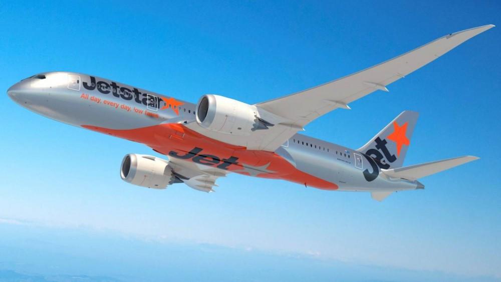 Thêm một máy bay của Boeing gặp sự cố ngay trước khi hạ cánh