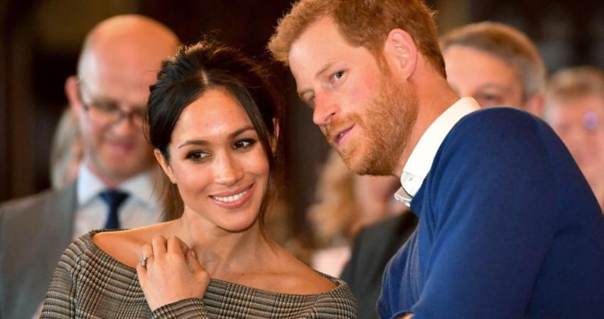 Công nương Meghan và Hoàng tử Harry cho ra mắt tài khoản Instagram riêng khiến MXH dậy sóng - Ảnh 1.