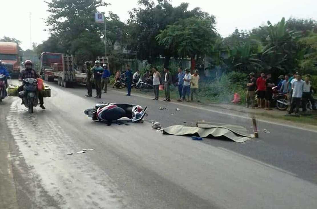 Nghệ An: Va chạm với xe tải, một phụ nữ tử vong thương tâm
