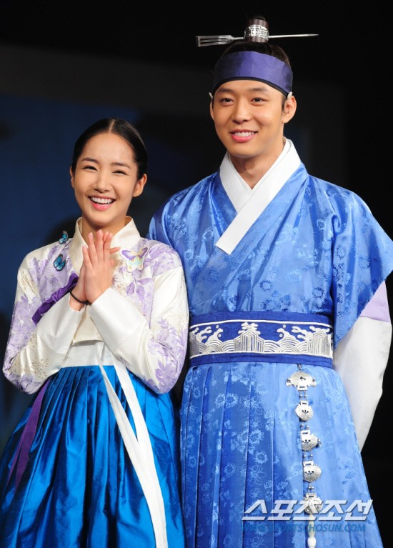 Sự trùng hợp đáng kinh ngạc: 15 nam thần từng hợp tác với Park Min Young đồng loạt dính phốt, nhiều cái tên gây sốc - Ảnh 1.