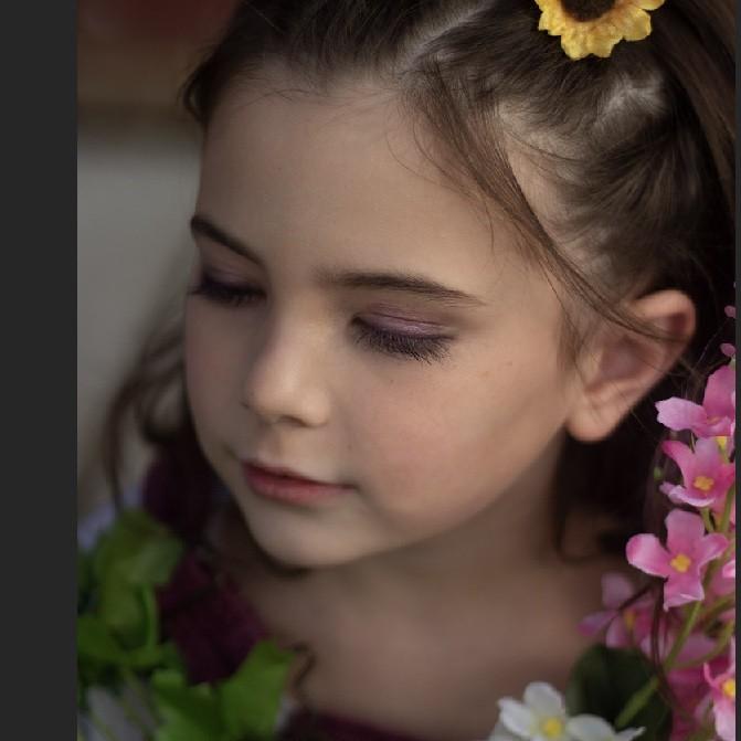 Cận cảnh nhan sắc đỉnh cao của diễn viên nhí đóng vai con gái Iron Man trong Avengers: Endgame - Ảnh 3.