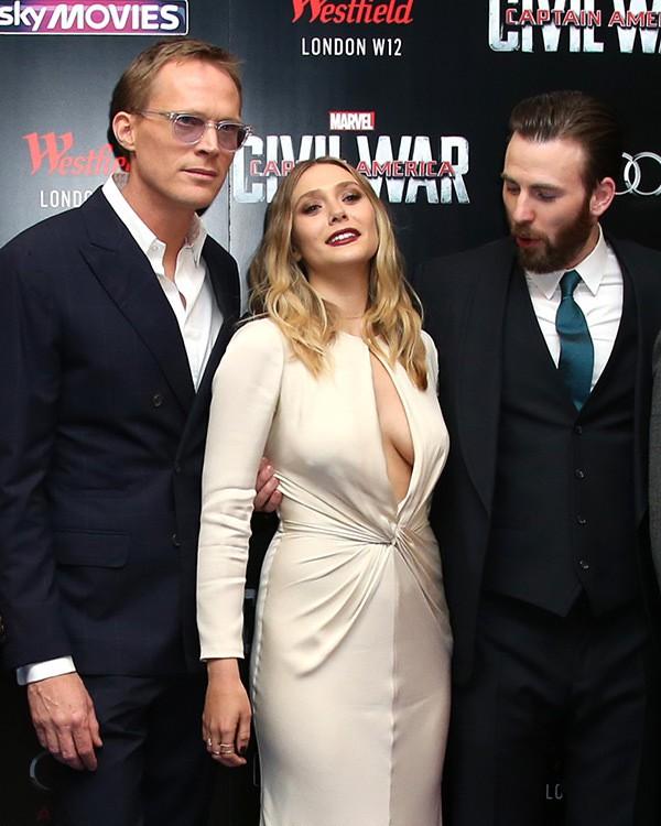 Mỹ nhân mạnh nhất Avengers khiến triệu khán giả mất tập trung, Chris Evans trố mắt vì vòng 1 siêu khủng - Ảnh 7.