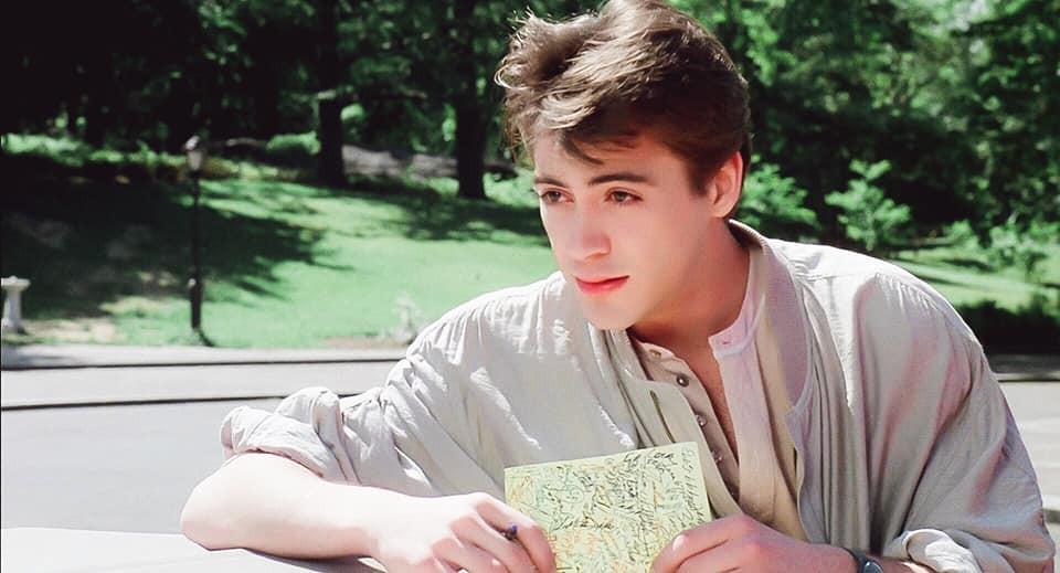 Vẻ đẹp của Iron Man Robert Downey Jr năm 22 tuổi: Đẹp trai lãng tử nhìn là yêu luôn 3000! - Ảnh 1.