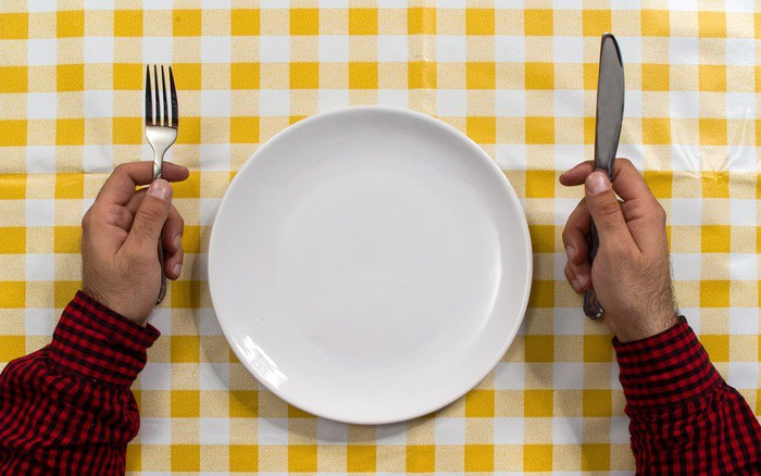 Những cách giảm cân phản khoa học, thậm chí còn gây tổn hại sức khỏe nghiêm trọng - Ảnh 1.