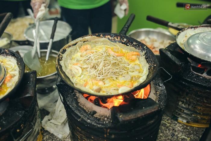 Người Việt chân phương và hài hước thế nào, chỉ cần nhìn qua cách đặt tên các món bánh sau - Ảnh 1.