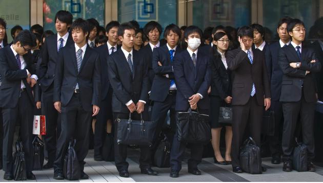 Người Nhật 'kêu trời' vì phải nghỉ lễ quá nhiều trong dịp đăng quang tân Nhật Hoàng