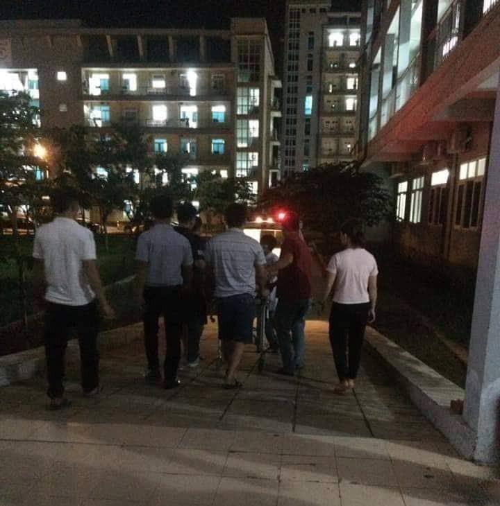 Người đàn ông bị đâm khi nhắc nhở thiếu niên vượt đèn đỏ đã tử vong