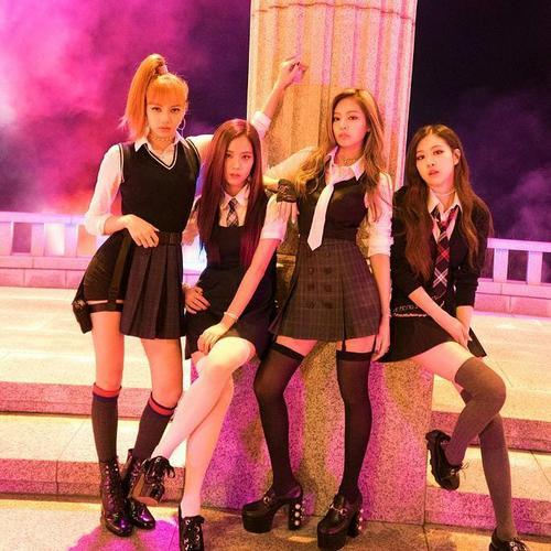 Concept girlcrush đã trở thành thương hiệu của BlackPink