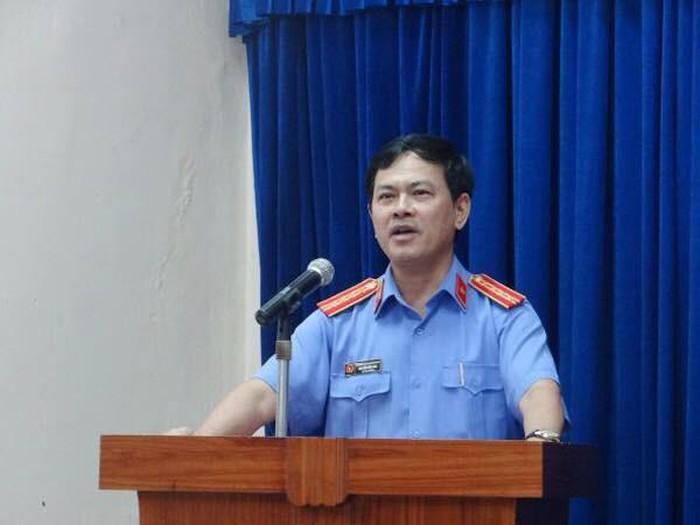 NÓNG: Chính thức khởi tố ông Nguyễn Hữu Linh vụ sàm sỡ bé gái trong thang máy - Ảnh 2.