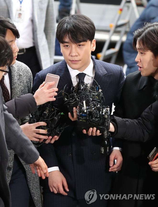Seungri đối mặt với tội danh thứ 5 trong chuỗi bê bối Burning Sun vì bị bạn thân Choi Jong Hoon chỉ điểm - Ảnh 1.