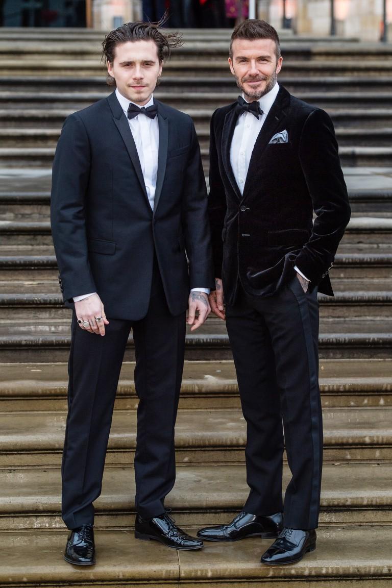 Từ khi nào mà Brooklyn Beckham đã cao ráo, điển trai không kém cạnh gì bố David Beckham rồi - Ảnh 1.
