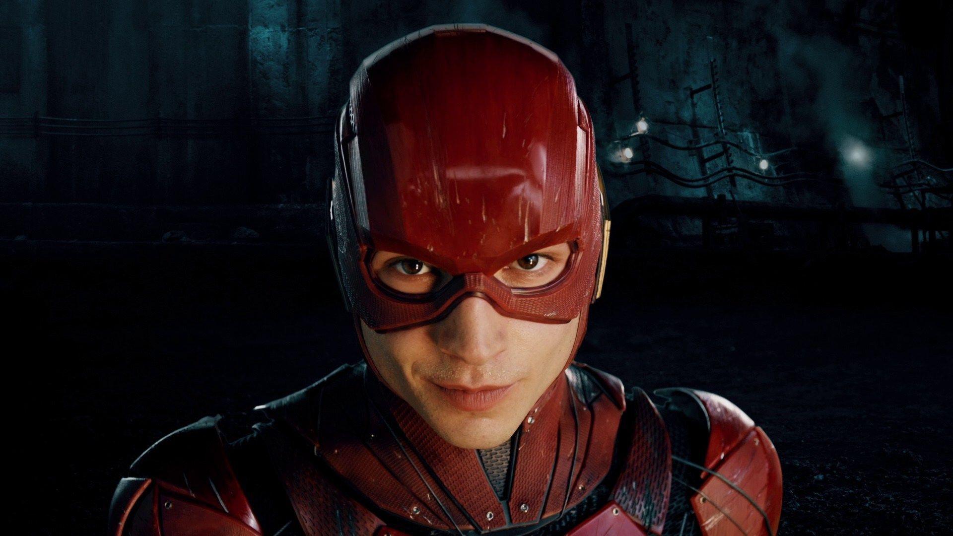 6 siêu anh hùng chứng tỏ DC cũng lầy không kém gì Marvel - Ảnh 1.