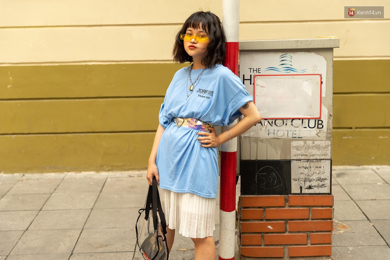 Mới đầu hè, giới trẻ đã khoe street style cực gắt với hot trend đồ hoa cả cành, bodysuit, đồ màu be - Ảnh 12.