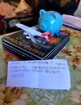 Cậu bé 8 tuổi để lại thư nhắn nhủ cho mẹ rồi bỏ nhà đi du lịch vòng quanh thế giới - Ảnh 1.