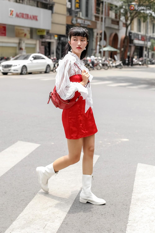 Mới đầu hè, giới trẻ đã khoe street style cực gắt với hot trend đồ hoa cả cành, bodysuit, đồ màu be - Ảnh 3.