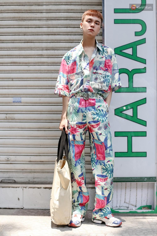 Mới đầu hè, giới trẻ đã khoe street style cực gắt với hot trend đồ hoa cả cành, bodysuit, đồ màu be - Ảnh 6.