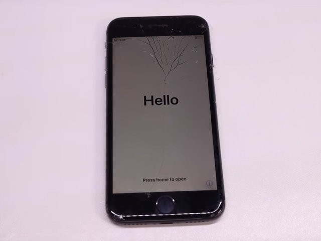 YouTuber mua iPhone 8 đã hỏng với giá 200 USD, sửa xong đẹp không khác gì hàng mới 750 USD - Ảnh 3.
