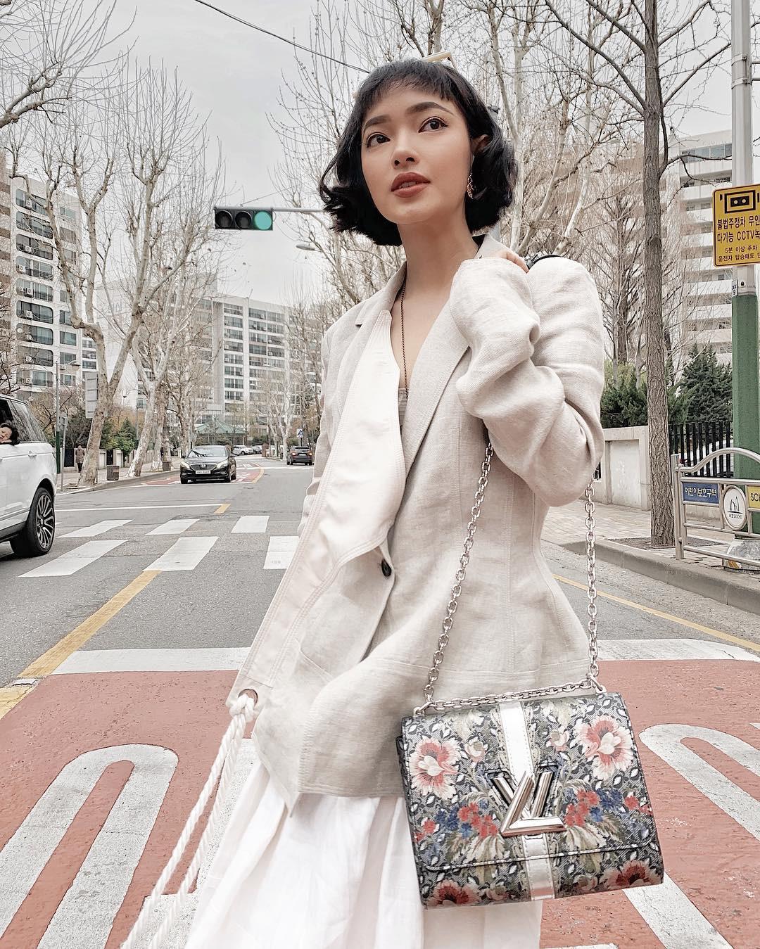 Hè mới ngấp nghé mà Chi Pu và tình tin đồn của Sơn Tùng đã diện street style mát mẻ, khoe ngực gợi cảm - Ảnh 6.