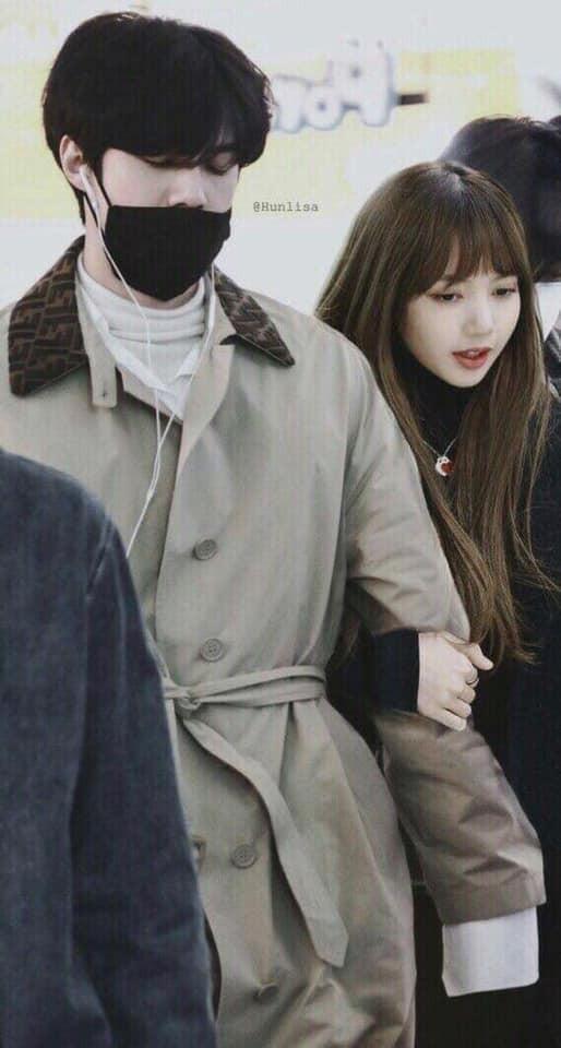 Trình độ công nghệ shipper ngày càng khủng, Sehun (EXO) và Lisa (BLACKPINK) được hẹn hò nhau trong trí tưởng tượng - Ảnh 7.