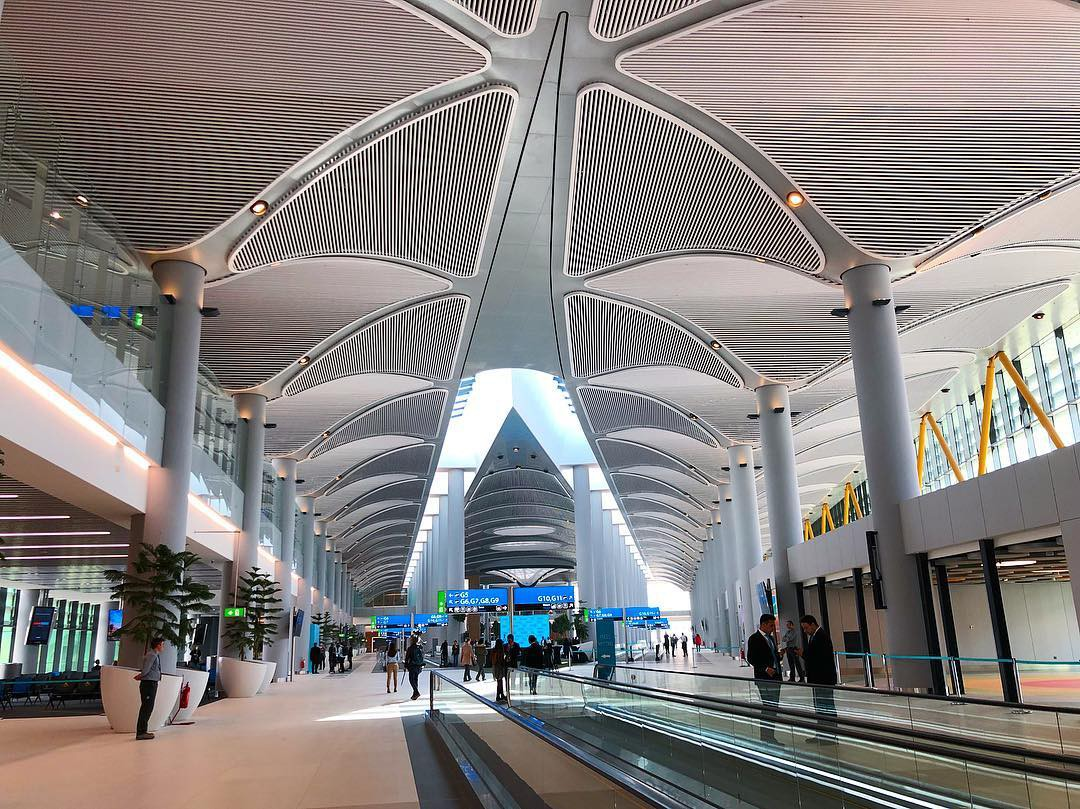 Siêu sân bay 12 tỷ USD của Thổ Nhĩ Kỳ chính thức mở cửa, ai cũng tò mò không biết có gì bên trong - Ảnh 3.