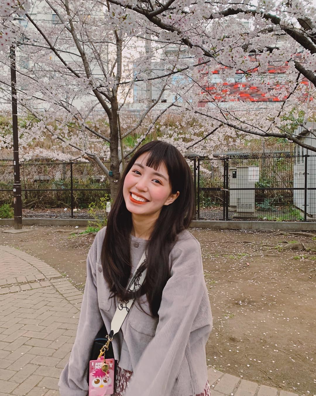 Không Nhật Bản thì Hàn Quốc, cảm giác như cả thế giới đều đi ngắm hoa anh đào hết rồi! - Ảnh 10.
