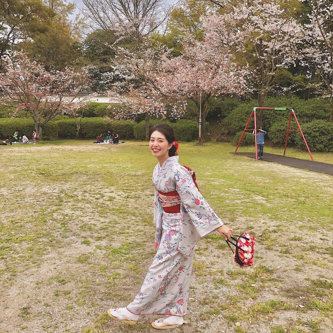 Không Nhật Bản thì Hàn Quốc, cảm giác như cả thế giới đều đi ngắm hoa anh đào hết rồi! - Ảnh 9.
