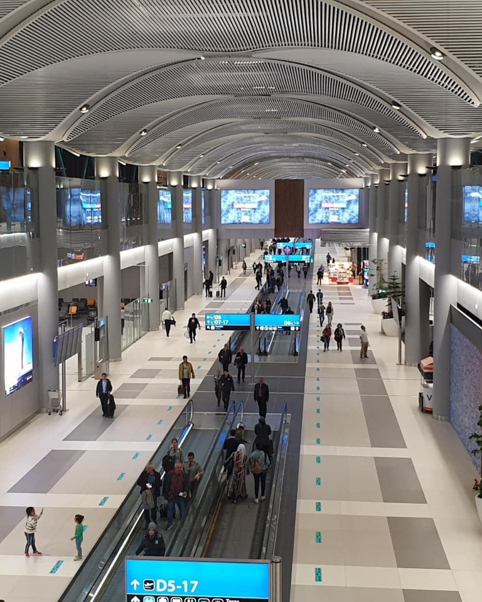 Siêu sân bay 12 tỷ USD của Thổ Nhĩ Kỳ chính thức mở cửa, ai cũng tò mò không biết có gì bên trong - Ảnh 12.