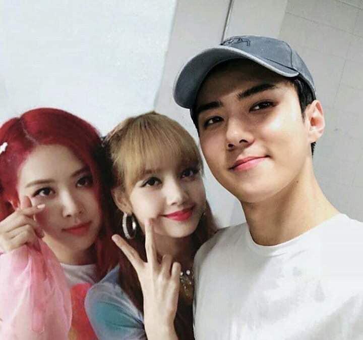 Trình độ công nghệ shipper ngày càng khủng, Sehun (EXO) và Lisa (BLACKPINK) được hẹn hò nhau trong trí tưởng tượng - Ảnh 6.
