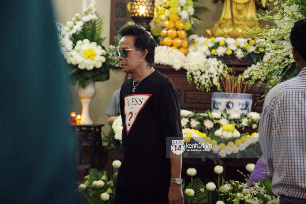 Bạn bè nghệ sĩ lặng người, bật khóc trong tang lễ cố diễn viên Anh Vũ - Ảnh 17.