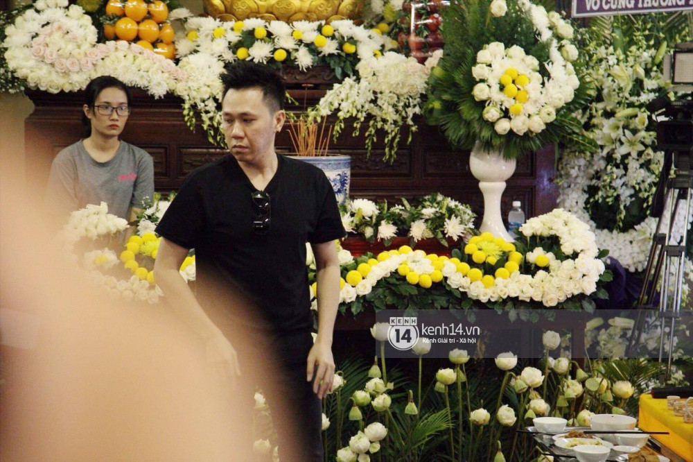 Bạn bè nghệ sĩ lặng người, bật khóc trong tang lễ cố diễn viên Anh Vũ - Ảnh 20.