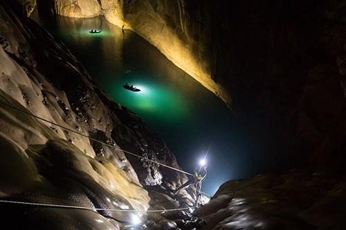 HOT: Phát hiện thêm hệ thống hang động bí ẩn ở Sơn Đoòng, sâu hơn rất nhiều so với công bố trước đây! - Ảnh 2.