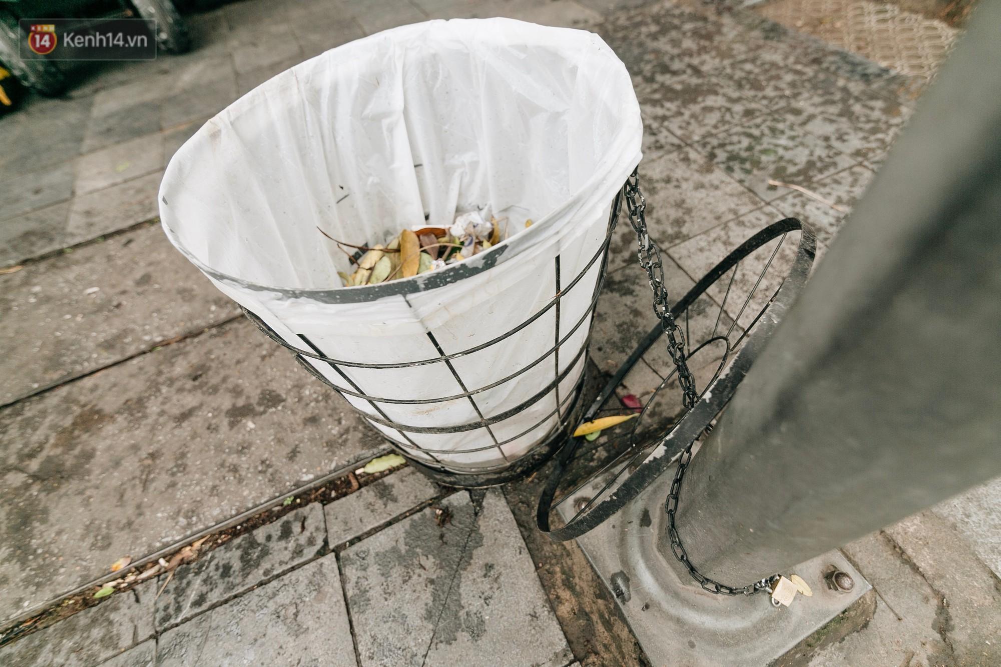 Người Hà Nội ủng hộ việc lắp camera ghi hình, phạt 7 triệu đồng hành vi xả rác ở phố đi bộ - Ảnh 5.