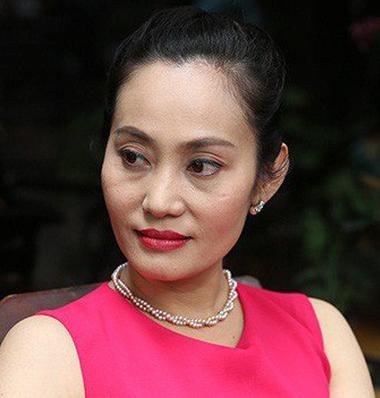 NSƯT Hạnh Thúy thay mặt gia đình nghệ sĩ Lê Bình thông báo thời gian cử hành tang lễ - Ảnh 1.