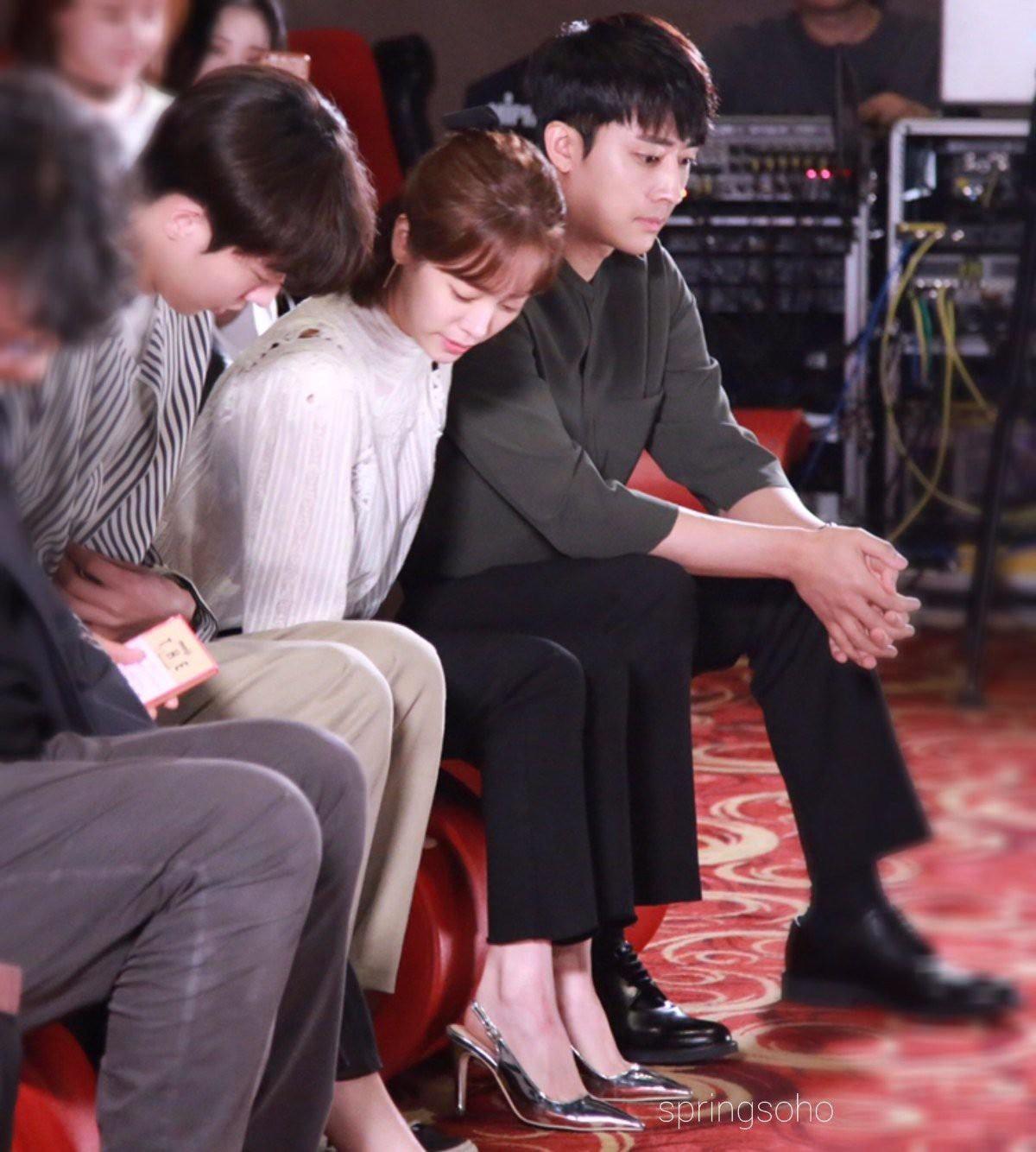 Ảnh Nam Joo Hyuk cùng chị đẹp đi xem phim ngập tràn MXH, nhưng bị gọi tên nhiều nhất lại là 2 nhân vật này! - Ảnh 15.