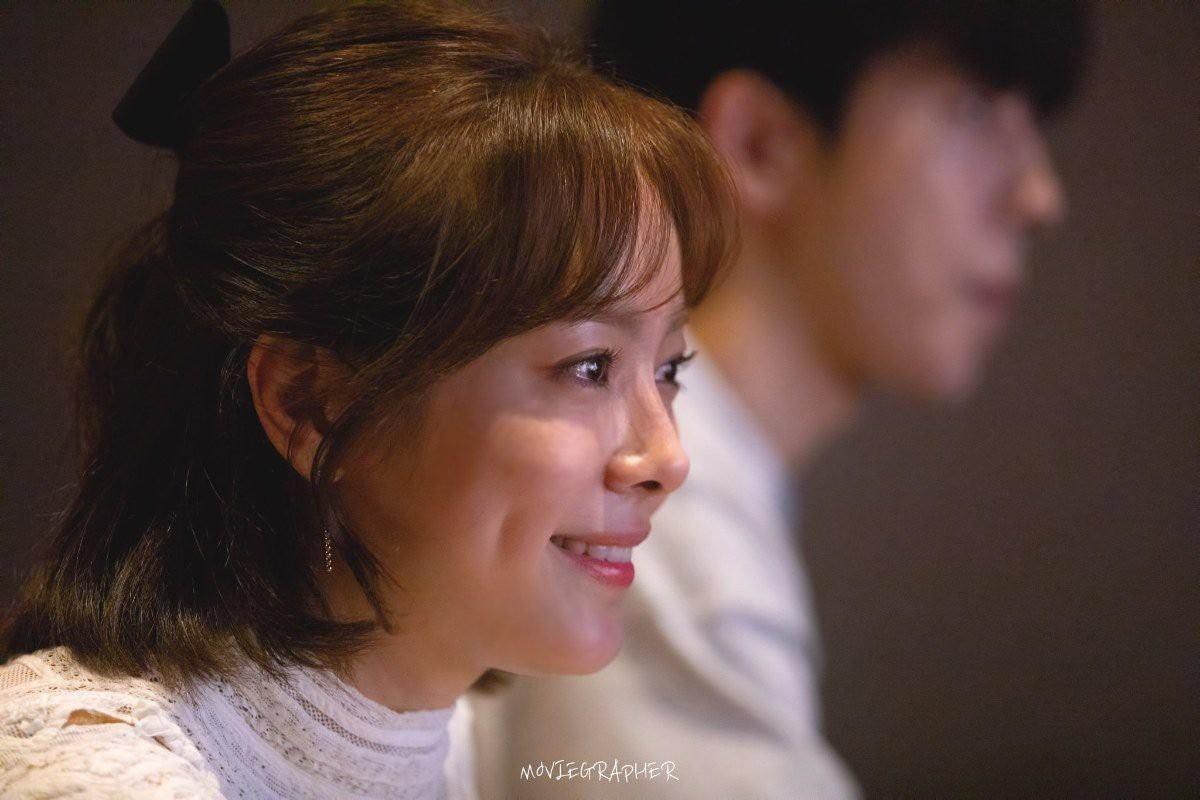 Ảnh Nam Joo Hyuk cùng chị đẹp đi xem phim ngập tràn MXH, nhưng bị gọi tên nhiều nhất lại là 2 nhân vật này! - Ảnh 2.