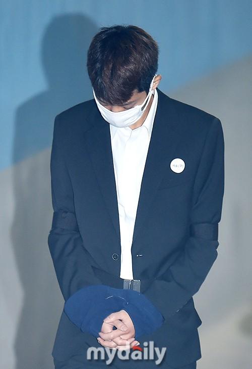 Phiên tòa đầu tiên của Jung Joon Young: Tội phạm tình dục Kbiz thừa nhận mọi cáo buộc từ quay lến đến hiếp dâm tập thể - Ảnh 4.