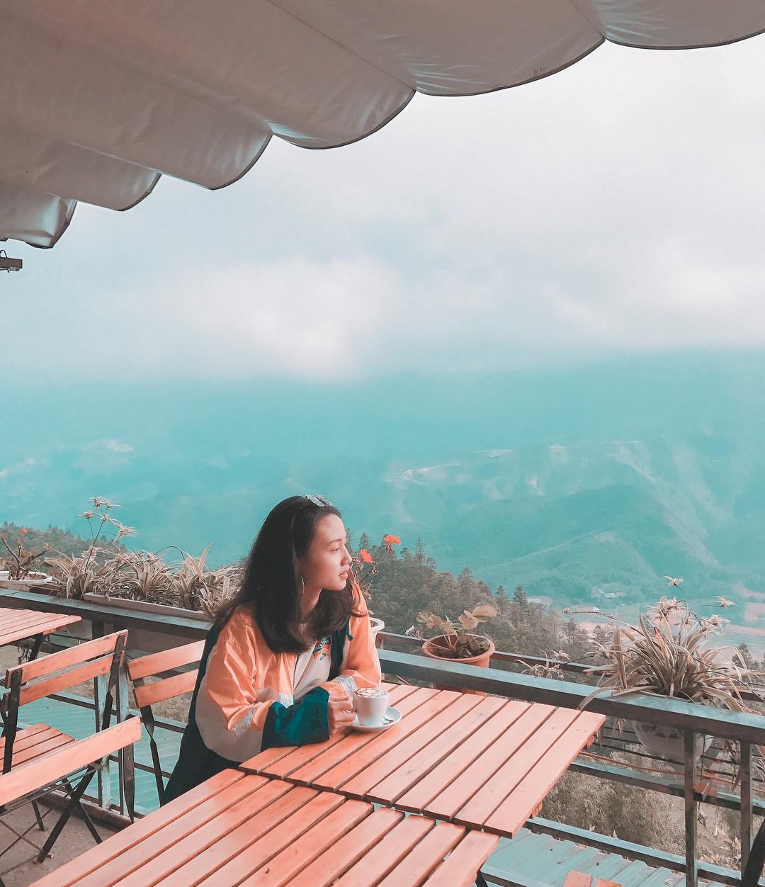 4 quán cafe cực hot ở Sapa sẽ cho bạn lạc vào nét đẹp hùng vĩ nơi núi rừng Tây Bắc - Ảnh 9.