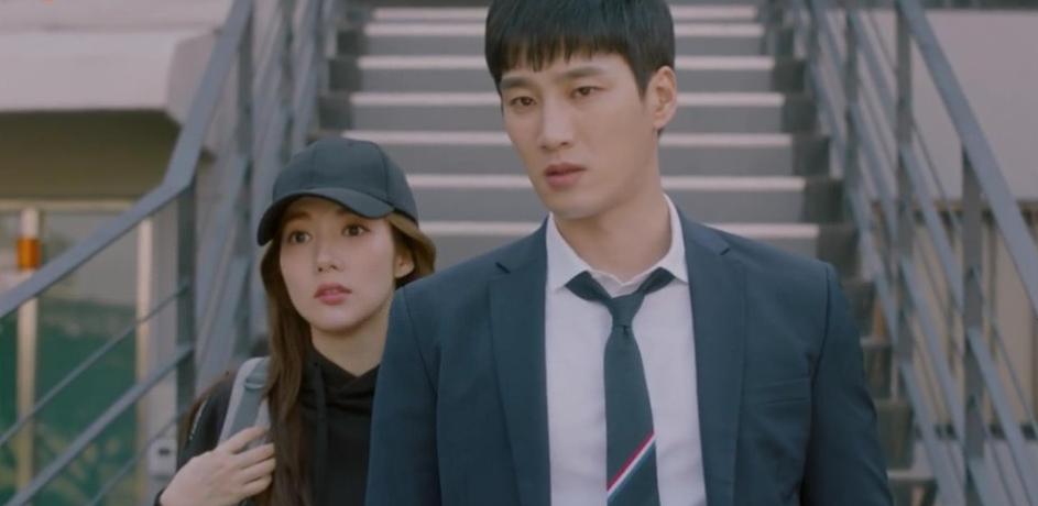 Hậu tỏ tình, Park Min Young lại khiến người yêu tức điên vì dám qua đêm với anh trai nuôi trong Her Private Life! - Ảnh 5.