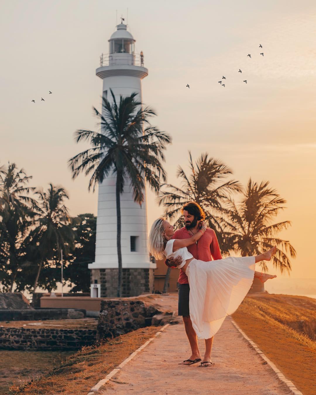 Tạo dáng nguy hiểm khi chụp ảnh du lịch, nhiều cặp đôi travel blogger nổi tiếng bị dân mạng ném đá kịch liệt - Ảnh 3.