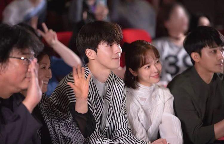 Ảnh Nam Joo Hyuk cùng chị đẹp đi xem phim ngập tràn MXH, nhưng bị gọi tên nhiều nhất lại là 2 nhân vật này! - Ảnh 14.