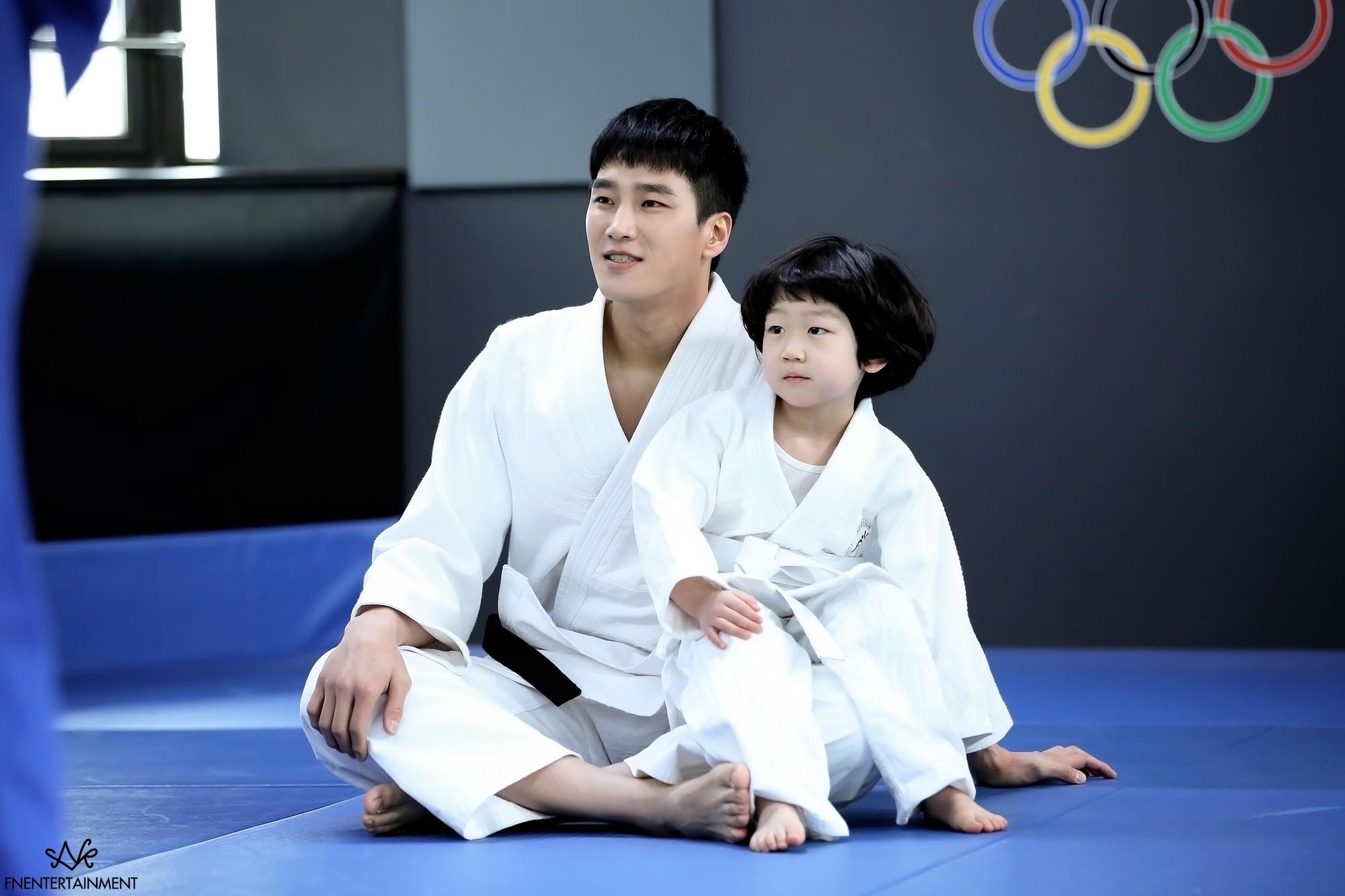 Hậu tỏ tình, Park Min Young lại khiến người yêu tức điên vì dám qua đêm với anh trai nuôi trong Her Private Life! - Ảnh 17.