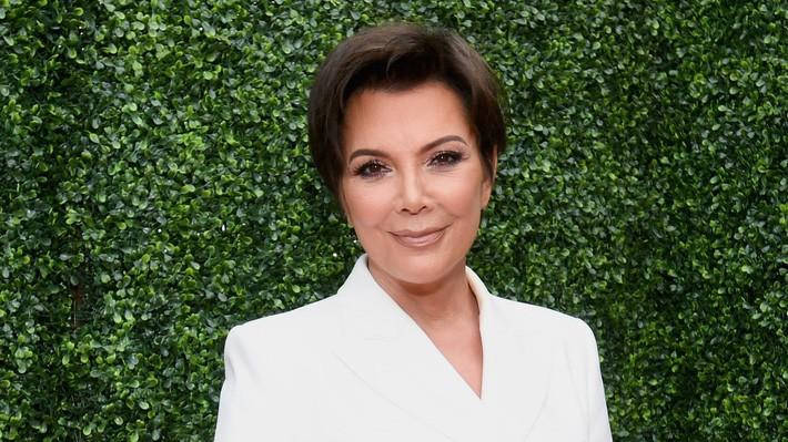 Nữ chúa nhà Kardashian: 64 tuổi vẫn là nữ hoàng quyền lực, bí mật làm đẹp lại đơn giản không ngờ - Ảnh 2.