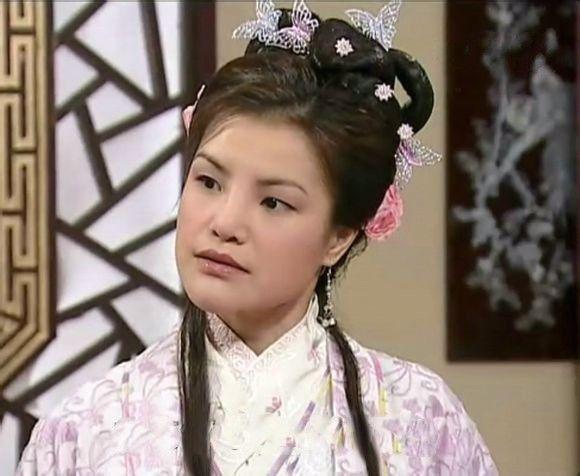 Trả lương bèo bọt như TVB: Xa Thi Mạn tháo chạy sang Trung Quốc, có người đổi nghề làm vệ sĩ cho Choi Si Won? - Ảnh 12.