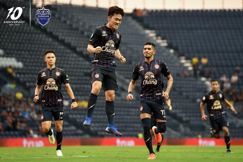 Xuân Trường lập siêu phẩm mở tỷ số cho Buriram United ở Thai League - Ảnh 2.