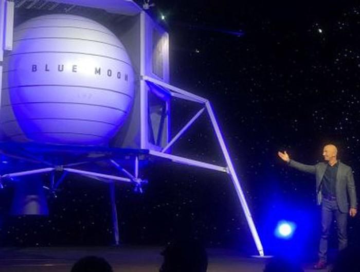 Người giàu nhất thế giới tham vọng chinh phục Mặt trăng - Ảnh 1.