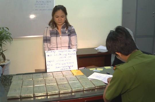 Kiều nữ chuyên dùng chiêu độc vận chuyển ma túy lớn từ Lào về Việt Nam - Ảnh 1.
