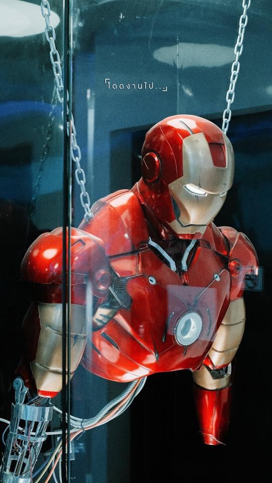 Muôn kiểu fan Marvel: Cuồng đến mức mở hẳn quán cà phê chứa đầy mô hình tiền tỷ! - Ảnh 10.