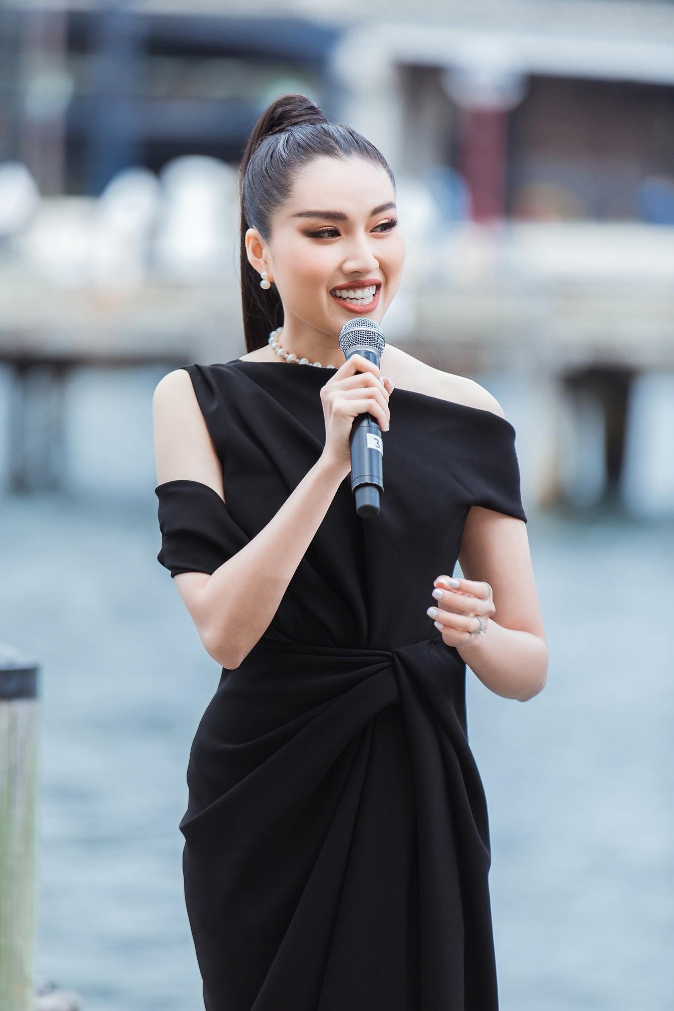 Show mới nhất của Đỗ Mạnh Cường tại Úc: Hà Tăng kín như bưng vẫn đẹp ngút trời, Mỹ Linh và Tiểu Vy trông đều khác lạ - Ảnh 11.