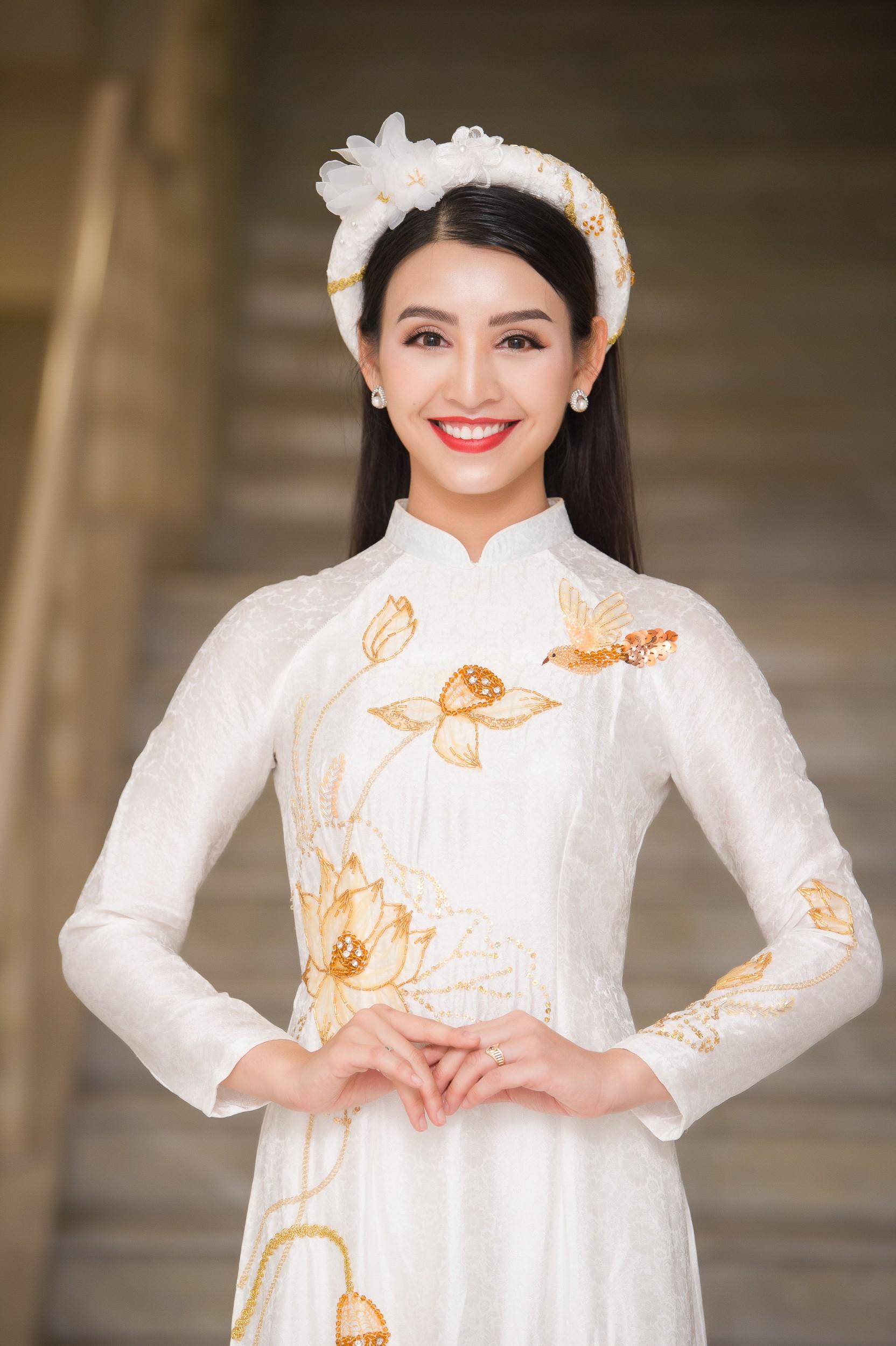 Phương Nga diện áo dài nền nã, thân thiết khi đụng độ bạn gái màn ảnh của Bình An - Ảnh 10.